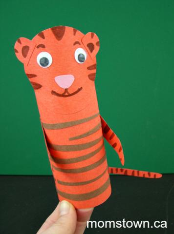Paper tube tiger puppet craft for preschoolers momstown for Oakville high school craft fair